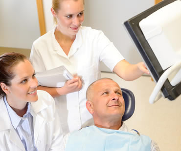 Oral surgeon in Conyers